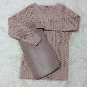 CHARLOTTE RUSSE DUSTY PINK SWEATER